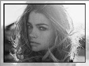 buzia, Denise Richards